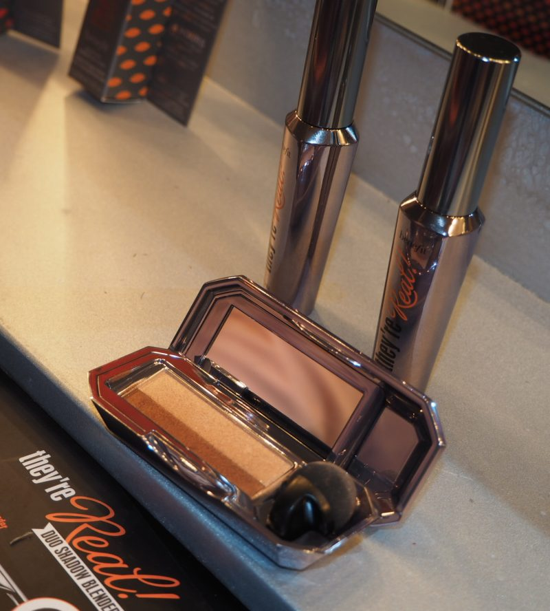 Benefit Duo Shadow Blender