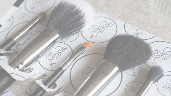 Powder 'n' Pout – The Flawless 5 Brush Set